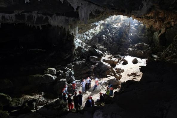 PET0114 IPORANGA  14/08/2009 VIAGEM CAVERNA ALAMBARI DE BAIXO PETAR Vista da caverna Alambari de Baixo, situada no Parque Estadual do Petar, no município de Iporanga (SP).  FOTO: JF DIORIO/AE