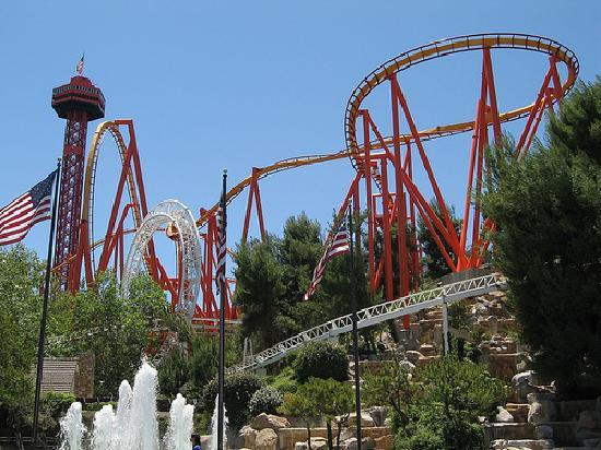 22 - six-flags-magic-mountain